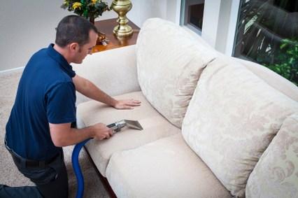 ניקוי חיטוי עיקור ונטרול ריחות לשטיחים ספות ומזרונים